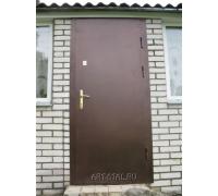 Входная стальная металлическая дверь на даче