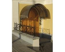 № 16. Козырек ажурный, кованый с покрытием из поликарбоната