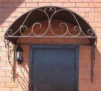 № 58. Козырек и металлическая дверь